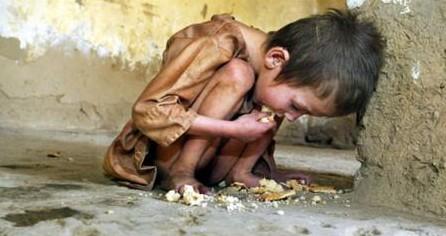 niño hambriento