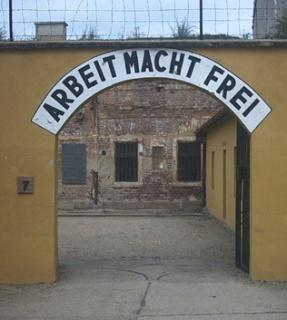 Theresienstadt_arbeit_macht_frei