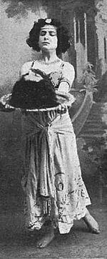 Salome-Margarita Xirgu 1910
