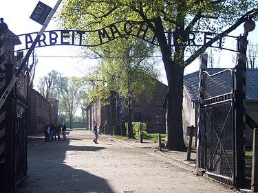 Auschwitz_I el trabajo hace libe