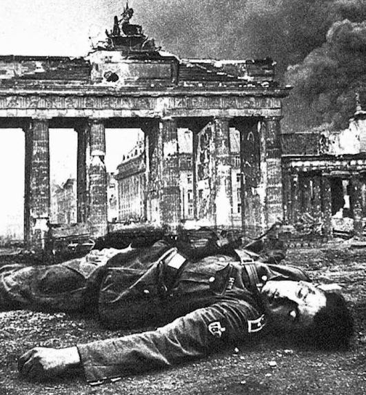 berlín-dead-german-soldier