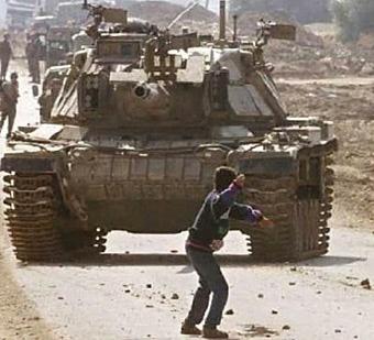 piedras-contra-tanques1
