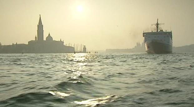 venecia--san-marco-iglesia-barco-a-vapor-adriatico-venecia