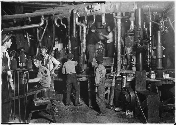 taller de Indiana, Estados Unidos, de Lewis Hine, 1908.