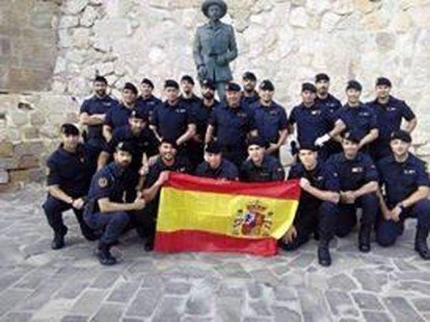 Agentes-Seguridad-Guardia-Melilla-Franco_EDIIMA20150611_0809_5