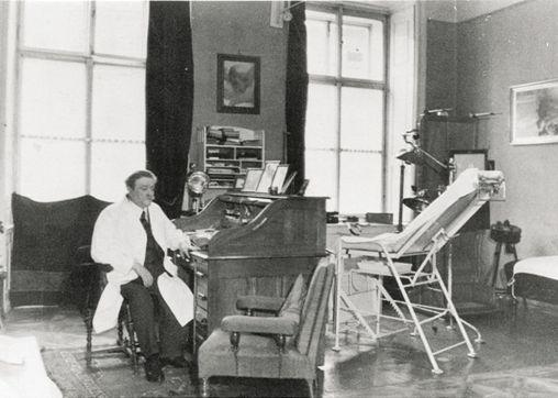 doctor Eduard Bloch- hitler