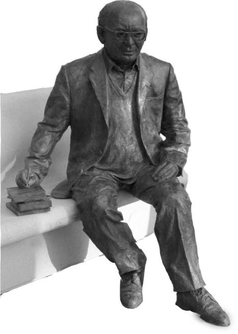 estelles estatua