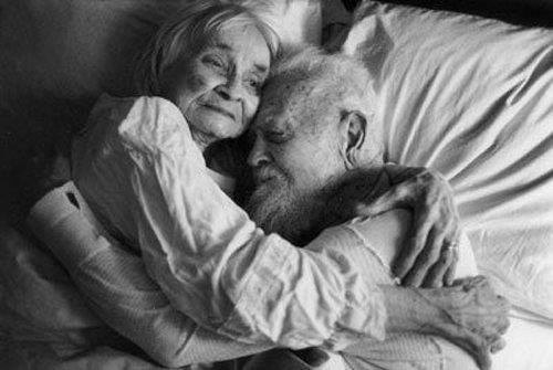 viejos enamorados