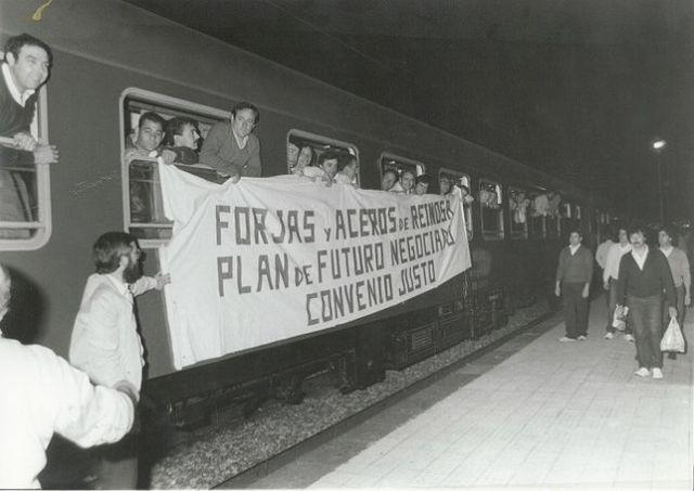 Los trabajadores parten hacia Madrid en tren para continuar con las protestas. ARCHIVO CCOO